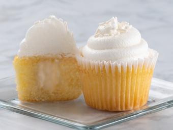 31003-kimberleys-gourmet-vanilla-cupcakes-beauty-shots-r1