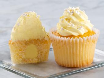 31004-kimberleys-gourmet-lemon-ice-cupcakes-beauty-shot-r1