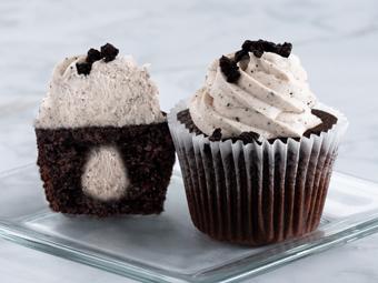 31083-kimberleys-gourmet-cookies-and-cream-cupcakes-beauty-shot-r1