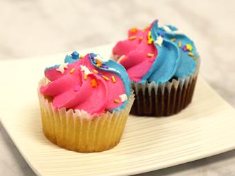 31124-kimberleys-regular-unicorn-cupcakes-beauty-shot-r1